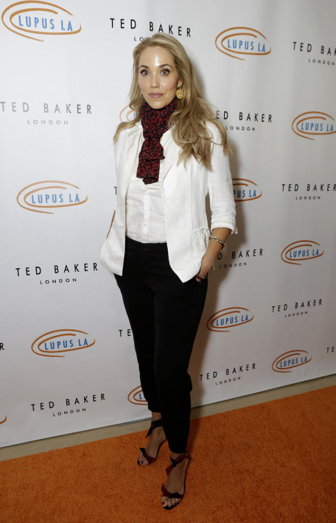 Elizabeth Berkley attends the Hollywood Bag Ladies Luncheon to benefit Lupus LA at The Beverly Hilton Hotel on November 20, 2015 in Beverly Hills, California. (Photo by Tiffany Rose/Getty Images for Lupus LA)