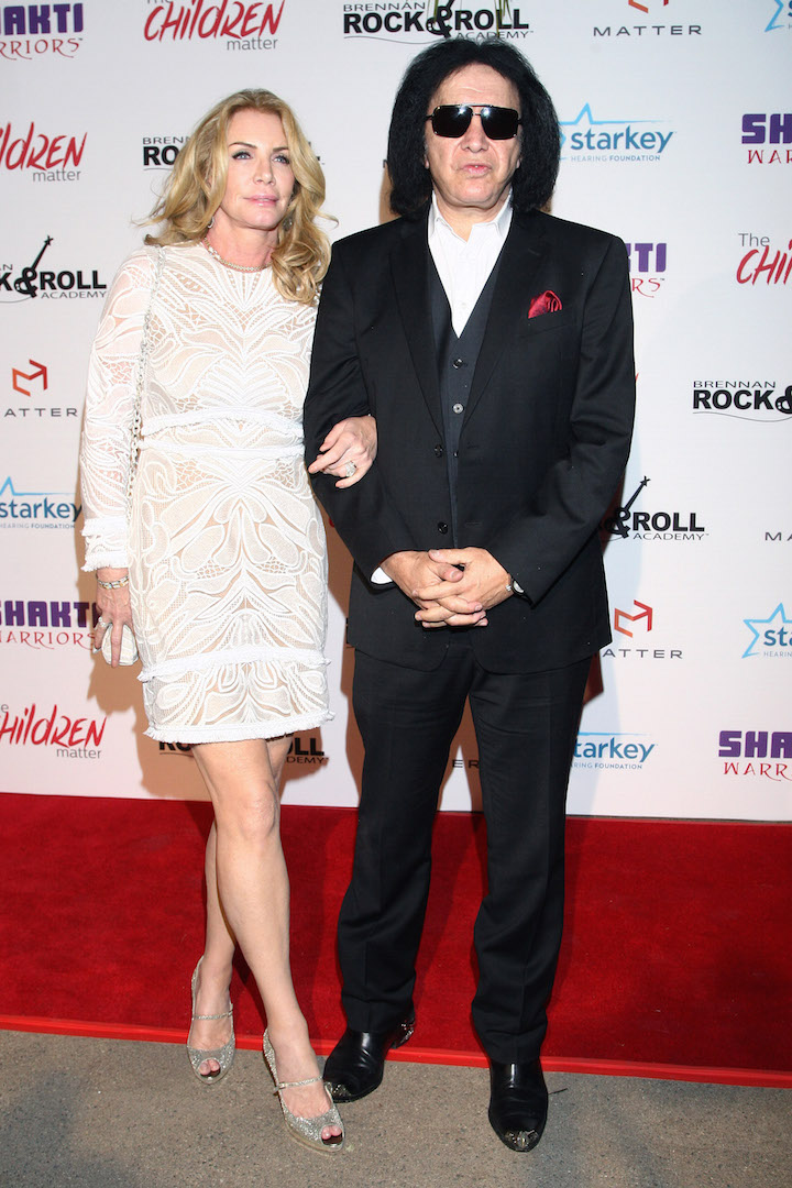 BEVERLY HILLS, CA - NOVEMBER 07:  Musician Gene Simmons and TV personality Shannon Tweed attend the Children Matter.NGO first annual gala on November 7, 2015 in Beverly Hills, California.  (Photo by Tommaso Boddi/Getty Images for The Children Matter.NGO)