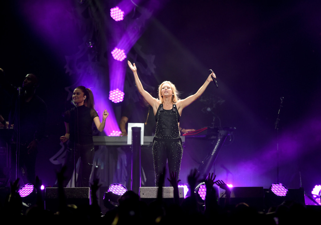DALLAS, TX - DECEMBER 01: Singer Ellie Goulding performs onstage during 106.1 KISS FM's Jingle Ball 2015 presented by Capital One at American Airlines Center on December 1, 2015 in Dallas, Texas. (Photo by Cooper Neill/Getty Images for iHeartMedia)